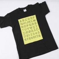 Een T-Shirt met alfabet