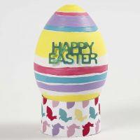 Een levensecht  geverfd en gedecoreerd wit plastic ei