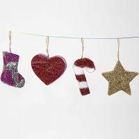 Kerst hangdecoraties van papier-maché met glitter