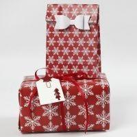Cadeau's inpakken met decoraties en papier van Vivi Gade Design