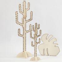 Cactus en blad gedecoreerd door houtbranden