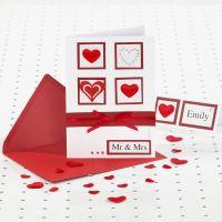 Rood-witte kaart voor huwelijk met strasstenen