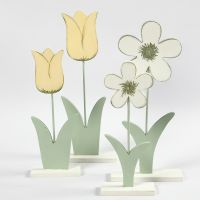 Houten bloemen gedecoreerd met Plus Color Acrylverf