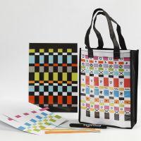 Een tas en placemat versierd met vlechtstroken