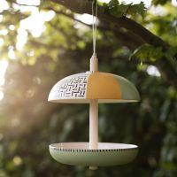 Vogel voertafel gedecoreerd met Plus Color acrylverf