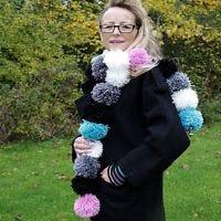 Pom-Pom sjaal en handenwarmers